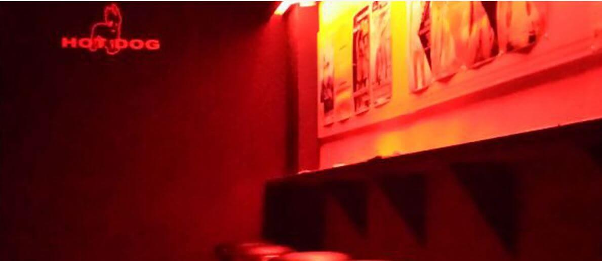Hot dog club milan for Gay club milan