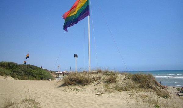 italy-lazio-capocotta-beach-flag